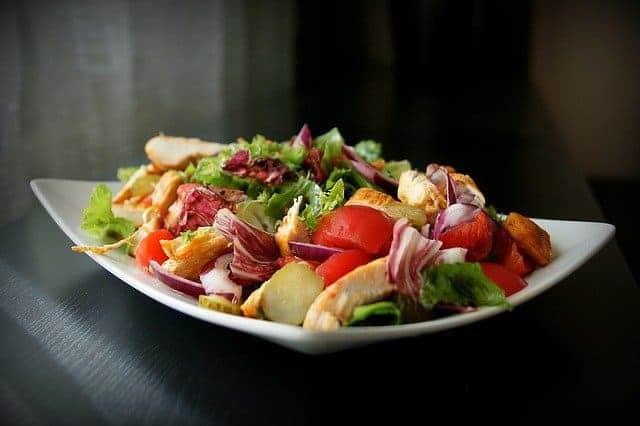 salad 1264107 640