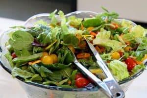 ヘルシーな野菜サラダ