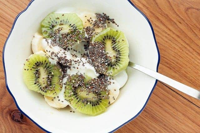 キウイとchiaの種を使ったサラダ