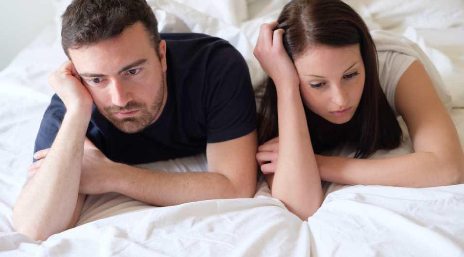 男と女のベッド