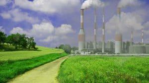 スモーキーな工場の煙突
