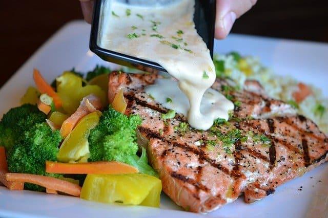 野菜と焼き魚の盛り合わせ
