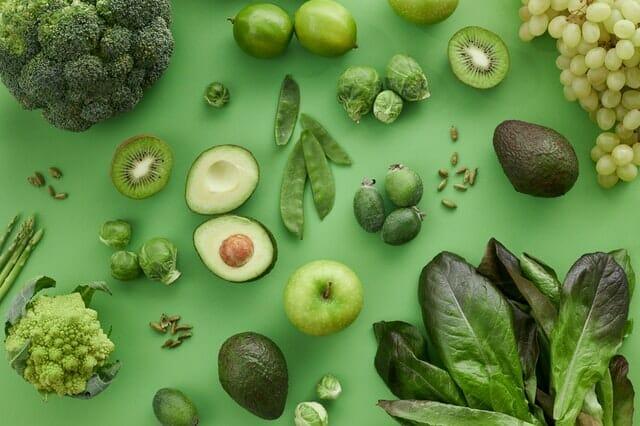 緑の果物と野菜